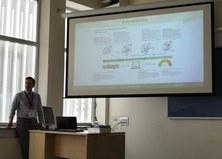 El Dr. Nihal Engin Vrana visita la seu de BBT i ofereix una xerrada al grup